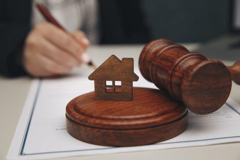 Derecho civil e inmobiliario